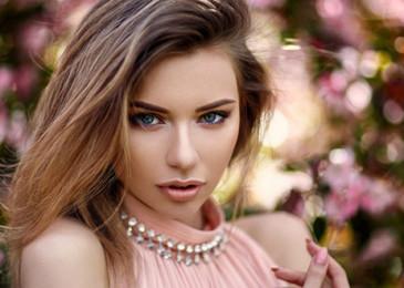 Самые эффективные аффирмации на женственность и красоту