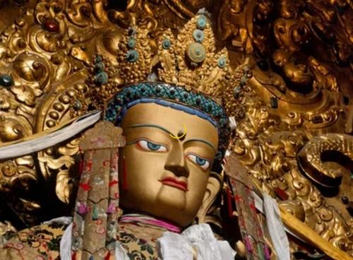 grjadushhij-budda